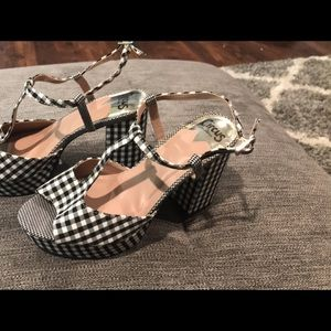 Gingham platforms with T & ankle strap size 8 wide